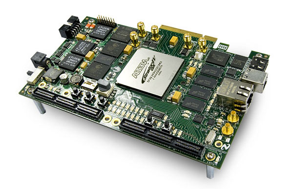 Altera Stratix IV GX FPGA Development Kits